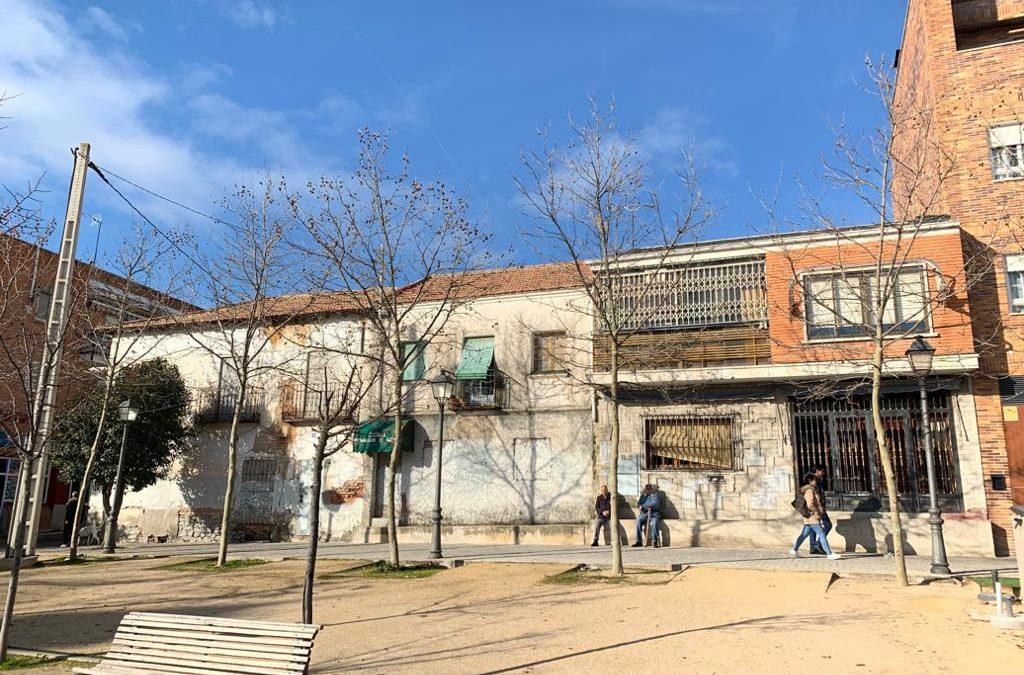 El PSOE propone la compra de edificios abandonados en el centro para construir viviendas en alquiler para jóvenes y locales para colectivos