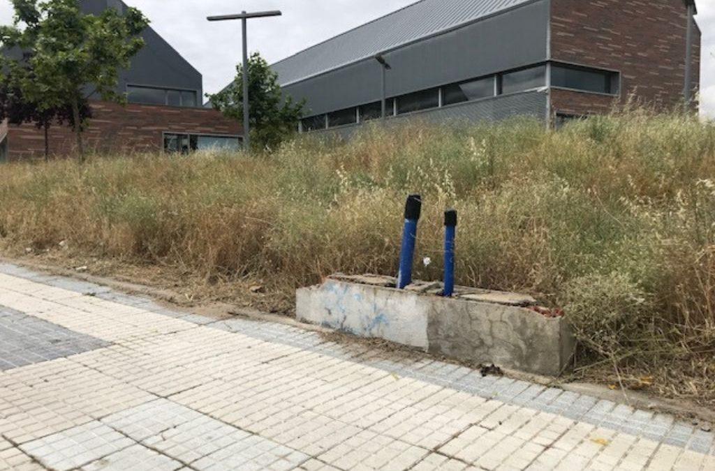 El PSOE denuncia incumplimientos, suciedad y falta de mantenimiento en la zona del Valle de la Oliva