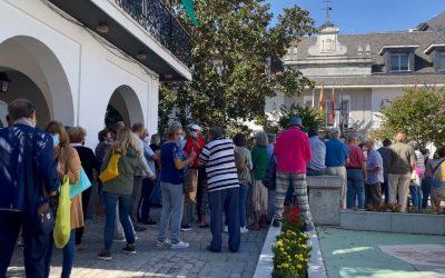 Los mayores de Majadahonda en pie de guerra: Falta de espacios, cafetería cerrada y un euro por bailar en el centro Reina Sofía